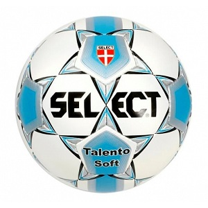 Подбираем футбольный мяч