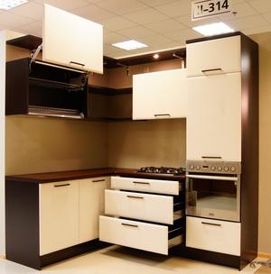 Прочные и стильные кухни