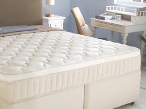 Kровати с матрасом