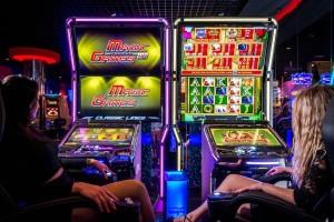 Можно ли играть в слоты с фруктами бесплатно в казино Рокс онлайн?