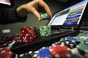 Как казино Плейдом скачать на телефон?